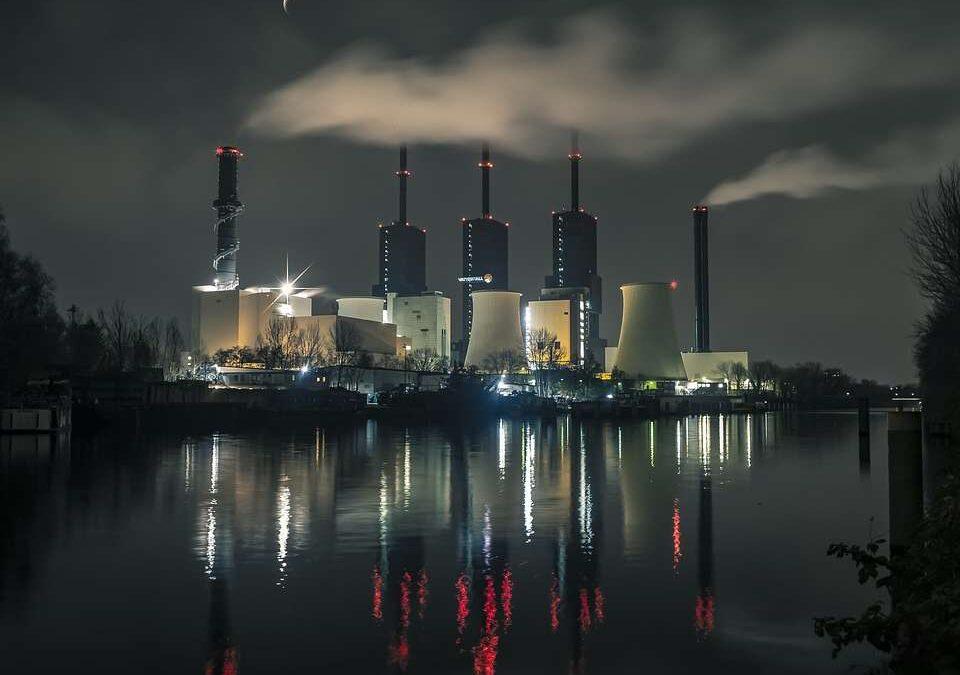 """Nikde nezdražuje elektřina tak rychle jako v ČR. Je to důsledkem napojení na německou politiku """"Energiewende"""""""